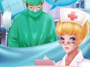 الممرضة الصغيرة