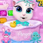 وقت استحمام طفل انجيلا